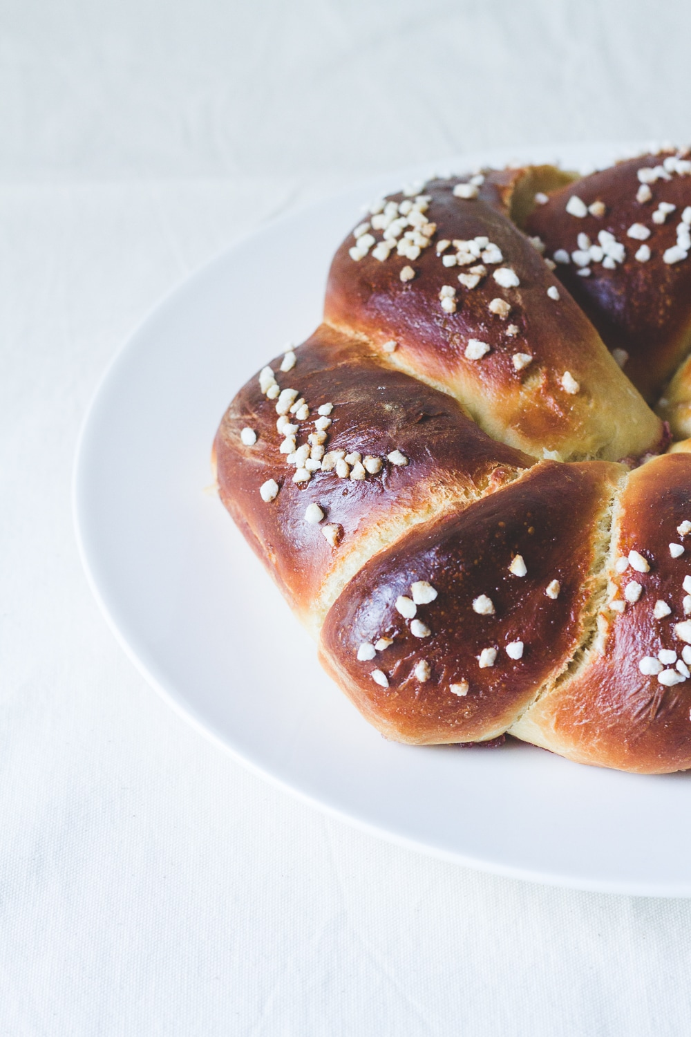 Challah bread crown