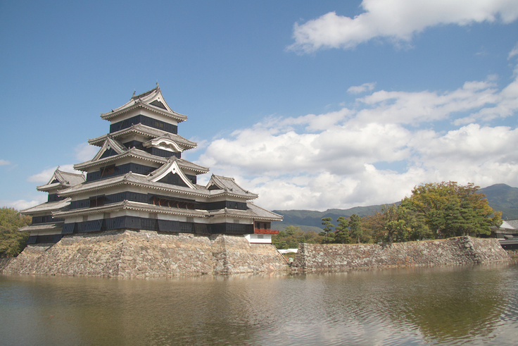 Matsumoto Castle, Japan - Photography: Yolene Dabreteau