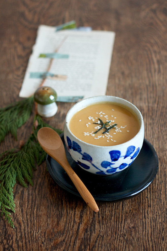 Butternut squash and chestnut miso soup - On cremedecitron.com