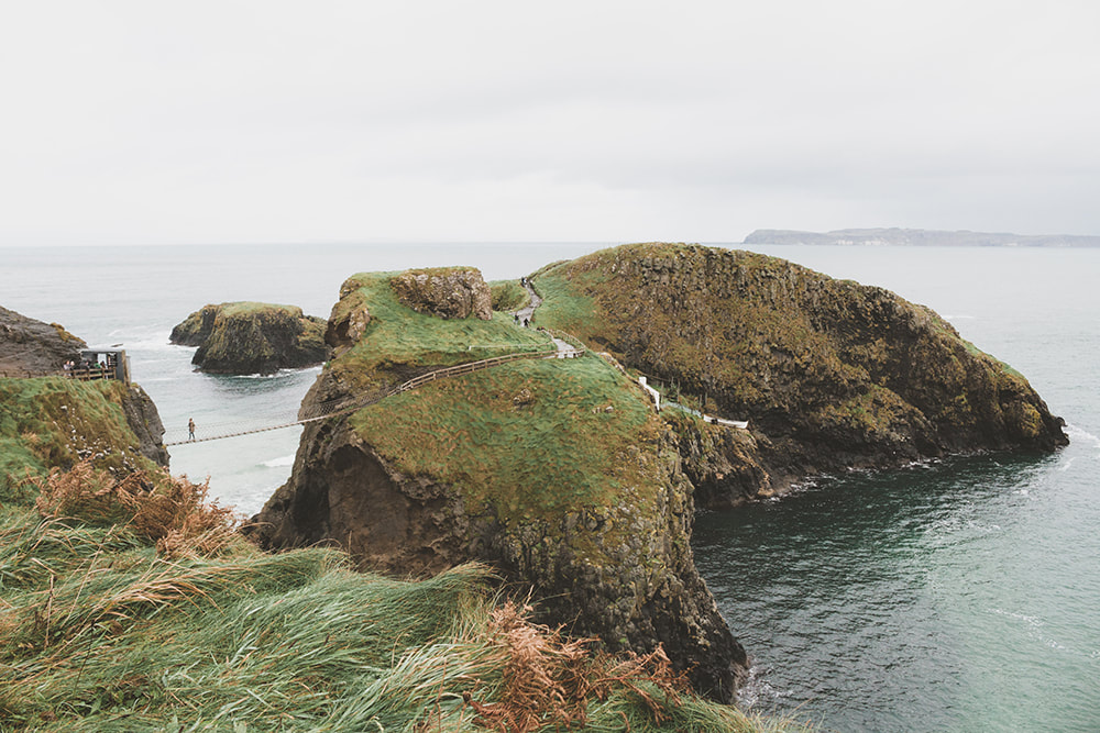 Northern Ireland Travel Guide - Carrick-a-rede Rope Bridge