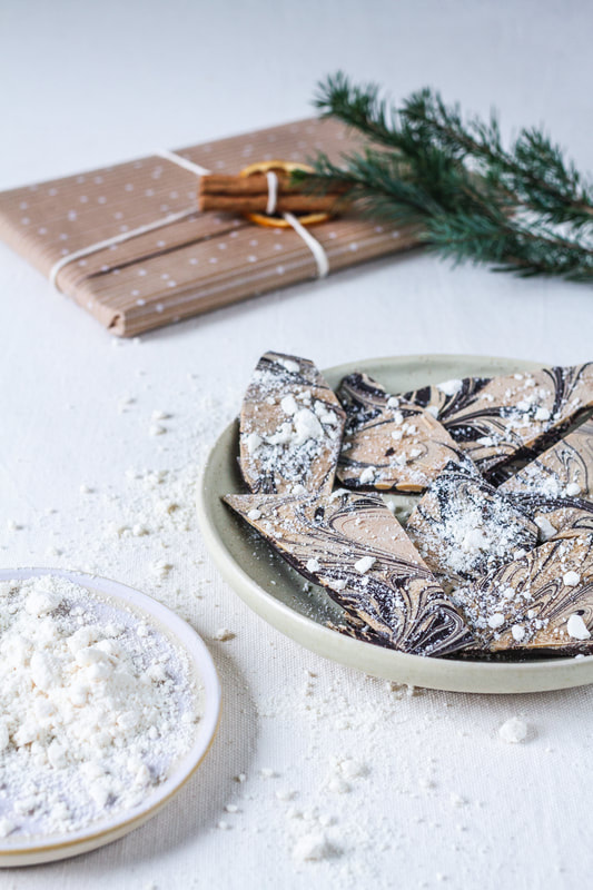 Recipe for Chocolate Christmas Bark made with dark and blond chocolate (Dulcey)