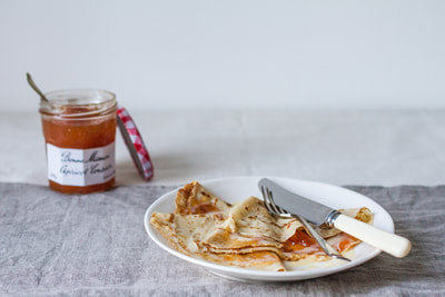 French crepes with apricot jam and tonka white chocolate sauce recipe to celebrate la Chandeleur (candlemas)