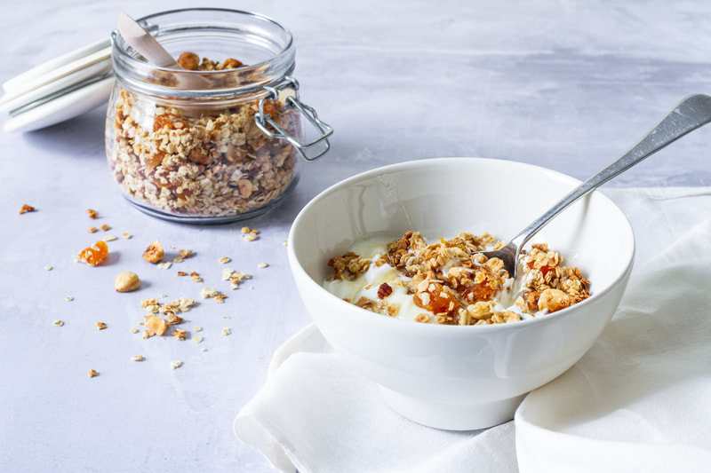 A delicious recipe for a vegan and gluten free apricot and hazelnut granola